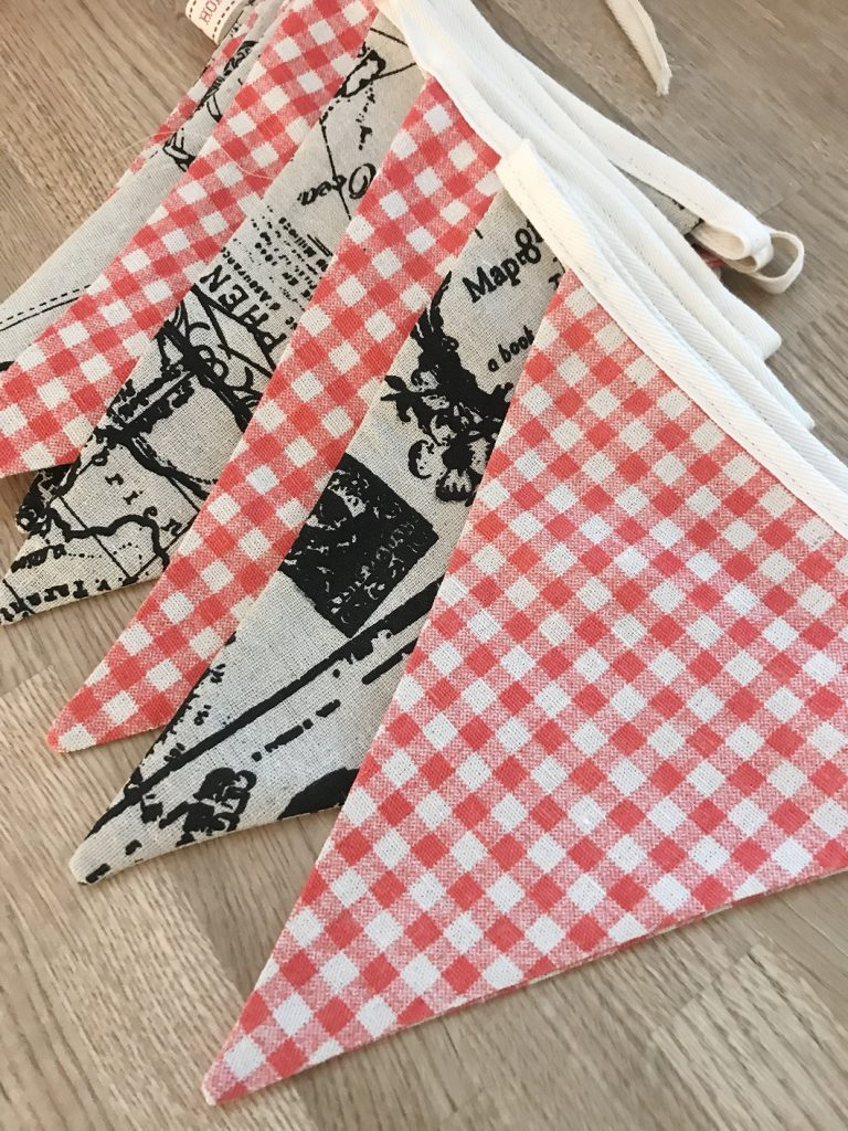 Video Tutorial – How to make Bunting